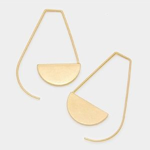 Geometric Matte Gold Pull Earings